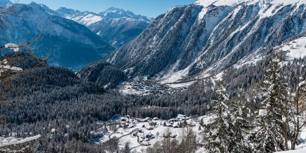 La vue exceptionnelle sur le paysage hivernal
