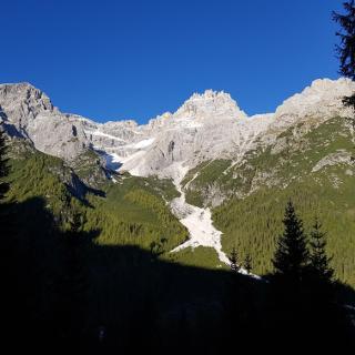 Dreischusterspitze im Aufstieg kurz nach dem Start