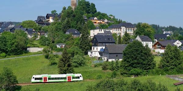 Lobenstein mit Blick zum Bergfried der ehemaligen Burg