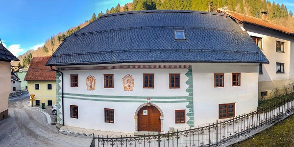 Jakovkna hiša, Podbrdo