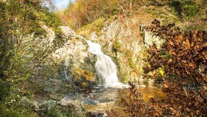 Glanzpunkt ist der Wasserfall von Bayehon (Cascade du Bayhon)