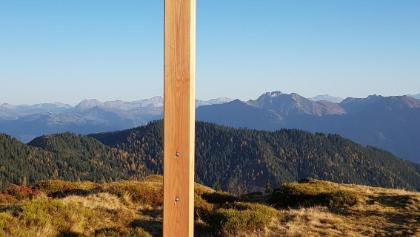 Neues Gipfelkreuz am Ahornstein