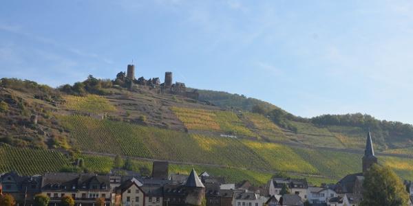 Blick auf Alken und die Burg Thurant