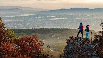Kilátás a Kőszikláról Esztergom felé
