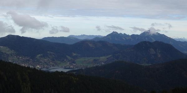 Blick von der Gindelalmschneid auf Schliersee und Wendelstein