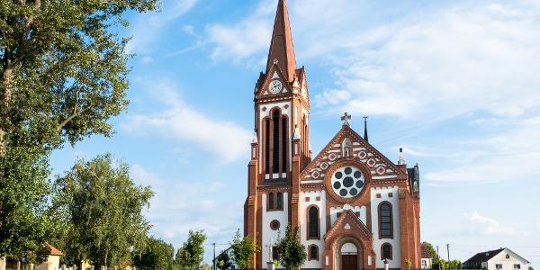 A vállaji Szentlélek templom Foerk Ernő tervei alapján készült