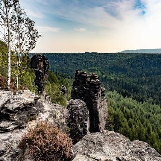 Blick von der Grenzplatte zum Hohen Schneeberg