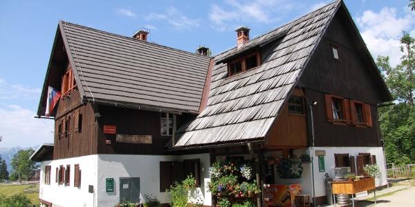 Mountain hut Uskovnica