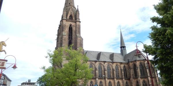 Marburgs Elisabethkirche - zu ihrer Geschichte verweisen wir auf unser Buch.