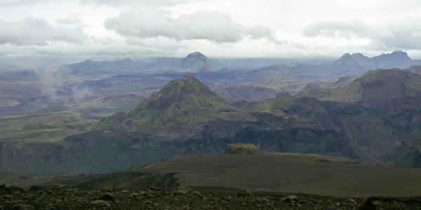 Blick auf den Berg Rjúpnafell. Im Vordergrund die Mórinsheiði.