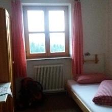 Hübsches Zweibettzimmer im Straubinger Haus mit Blick auf Wilden Kaiser.