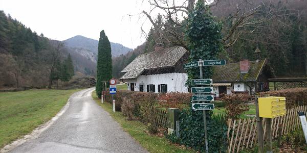 Parkplatz beim Eingang zum Schindeltal