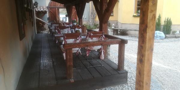 Biergarten im Innenhof