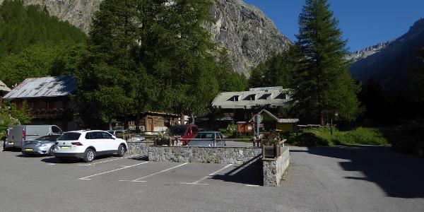 öffentlicher Parkplatz in Ailefroide