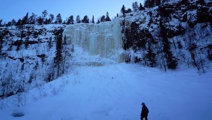 A frozen waterfall in Korouoma