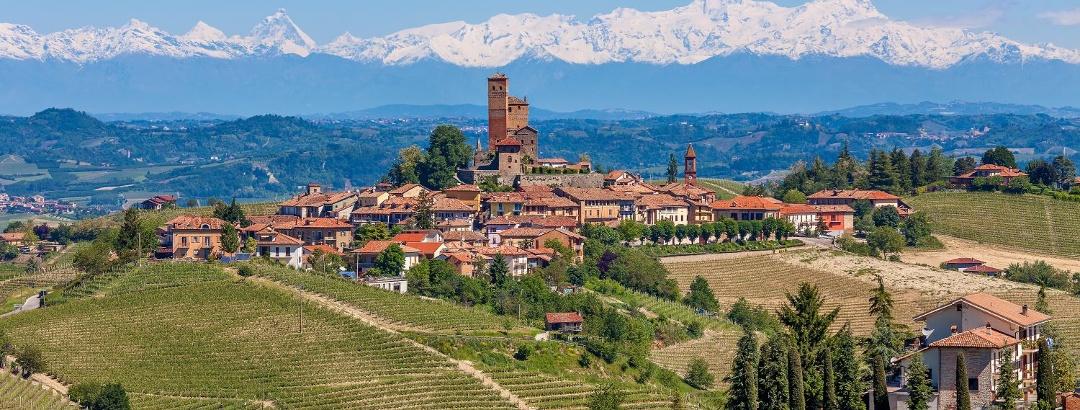 Views to Serralunga d'Alba