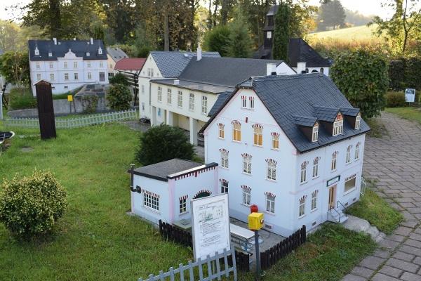 Láskyplně zpracovaný miniaturní svět mini Weißbachu