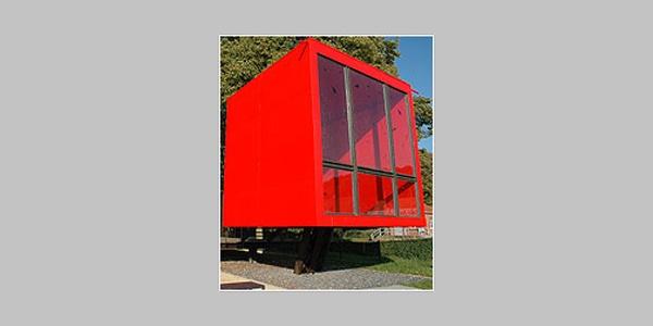 "Info-Pavillon ""Nasses Dreieck"" (Red Box)"