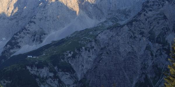 Baumgartnerkopf - im Hintergrund die Gruttenhütte, Kaiserkopf und die Ellmauer Halt