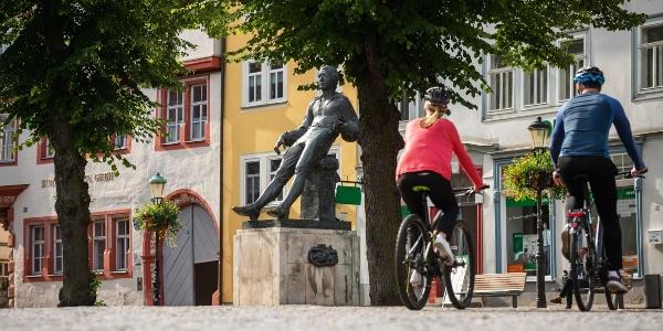 Am Bachdenkmal in Arnstadt