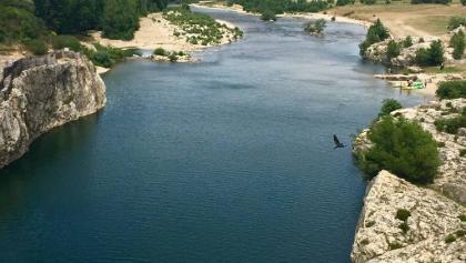Les Gorges de l'Ardèche dans le sens d'écoulement