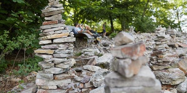 Wegweiser aus Stein