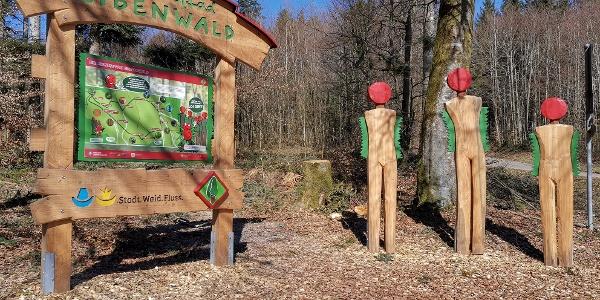 Eingangsportal zum Erlebnispfad Eibenwald