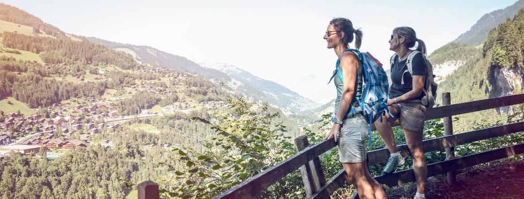 Blick auf Champéry und auf das Tal Le Val d'Illiez