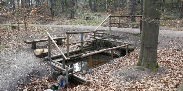 Wassertretbecken an der Lindenhofquelle