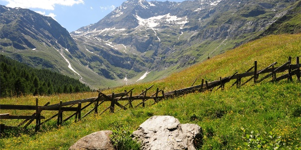 Hike to the Lazinser Alm Mountain Hut
