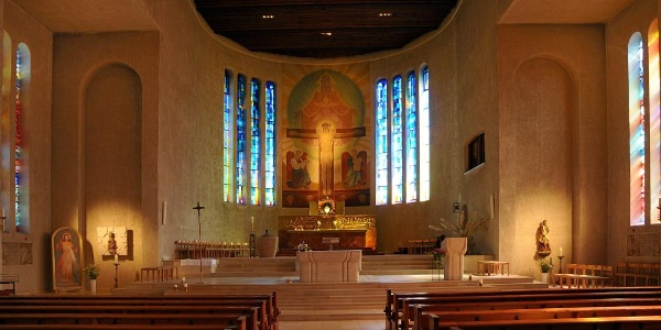 Katholische Pfarrkirche Zum Göttlichen Erlöser 2