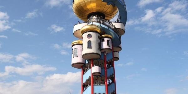 Kuchlbauer Turm nach Friedensreich Hundertwasser in Abensberg