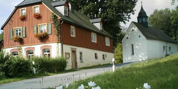 Dorf Raun mit Kapelle