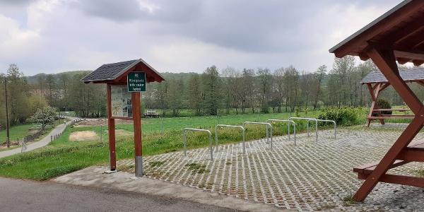 Rastplatz am Sprottetalweg bei Burkersdorf