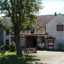 Weingut Schloss Westerhaus mit Vinothek zum Weinkauf (Sa)