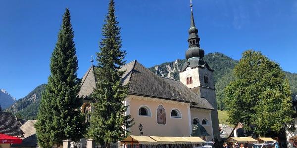 Župnijska cerkev  Marijinega Vnebovzetja