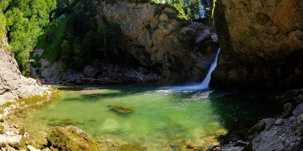 Das Becken der Buchenegger Wasserfälle