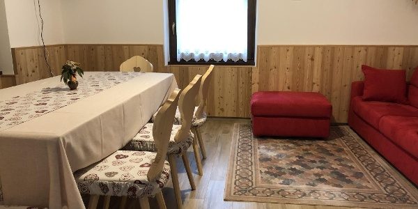 Casa Vacnaze insieme-soggiorno