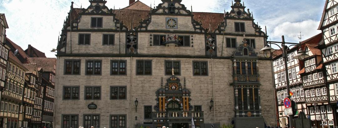Rathausvorplatz beim Glockenspiel