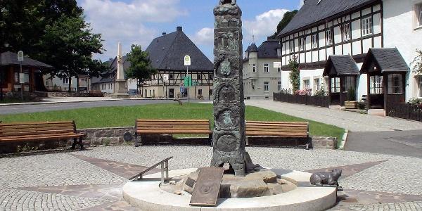 Bärenstein - Historiensäule