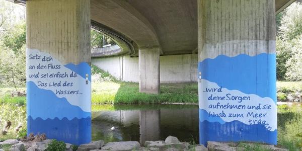 Unter der Brücke in Arfeld