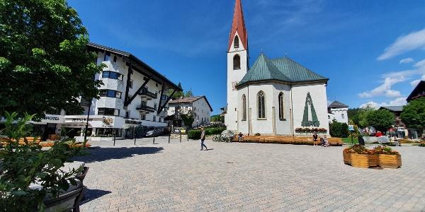 Kirchplatz in Seefeld