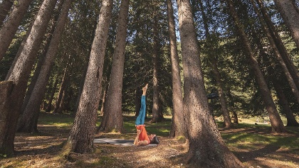 Dolomiti Natural Wellness, yoga tra la natura del Parco Naturale Adamello Brenta
