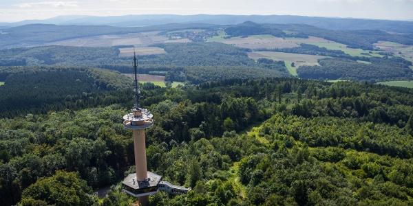 Luftbild Gaußturm bei Dransfeld