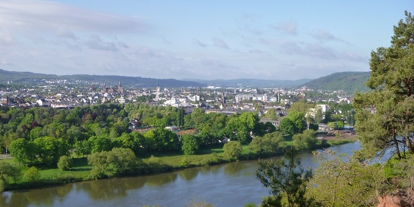 Ausblick vom Felsenweg auf Trier