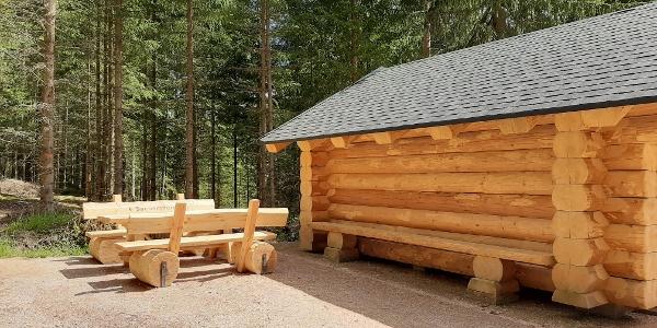 "Schutzhütte ""Sieben Wege "" am Bärenwinkel Sitzgruppe"