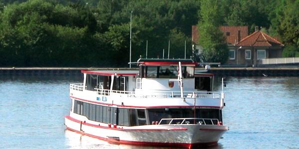 Fahrgastschiff Helena