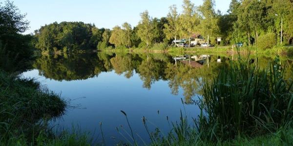 Mohrmühlweiher mit Fischerhaus, Ansicht 1