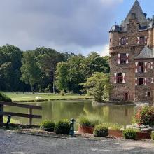 Eine schöne Burg hier lohnt sich eine Besichtigung.