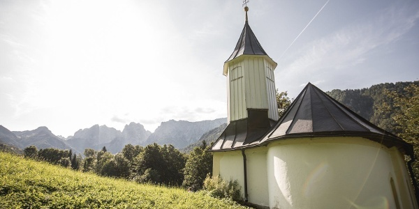 Kraftplatz Antoniuskapelle Kaisertal Wandern Naturerlebnis Kaisergebirge